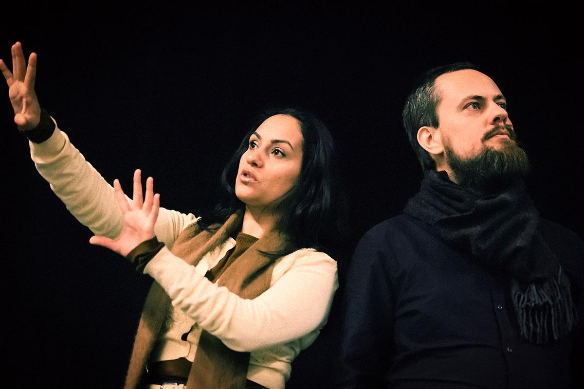 Mehda Zolfaqari og Alf Martin Lie på scenen.